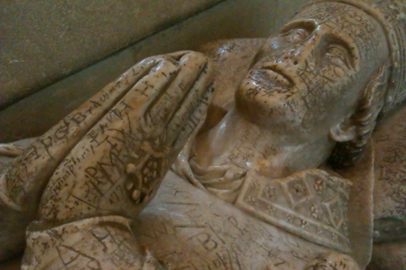 graffitied tomb, wells cathedral (p ward 2013)