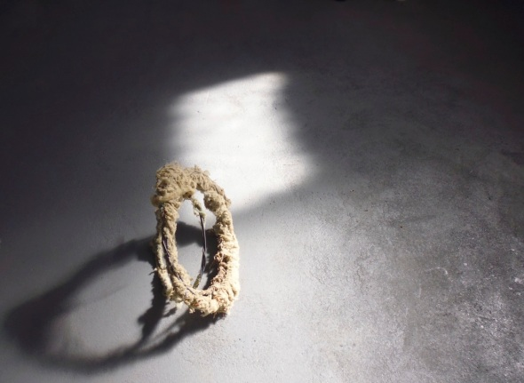 wool wire rings 1 (© p ward 2014)